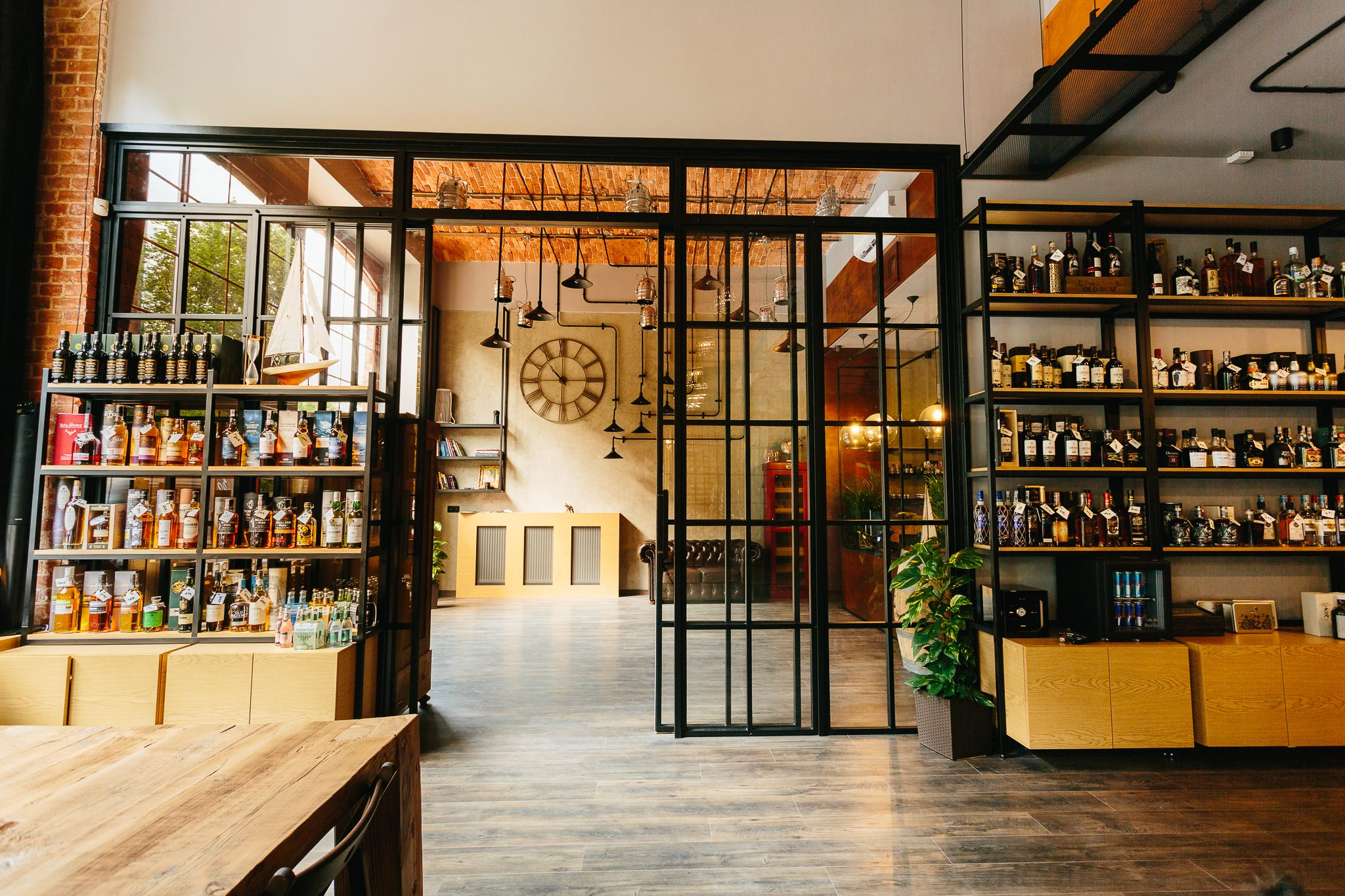 Icon Concept, drzwi kute, drzwi metalowe, drzwi metalowe loftowe, drzwi wewnętrzne, wrocław, dolnośląskie, LOFT, drzwi loft, drzwi metalowe loft, kowalstwo, okna metalowe industrialne, witryny metalowe industrialne