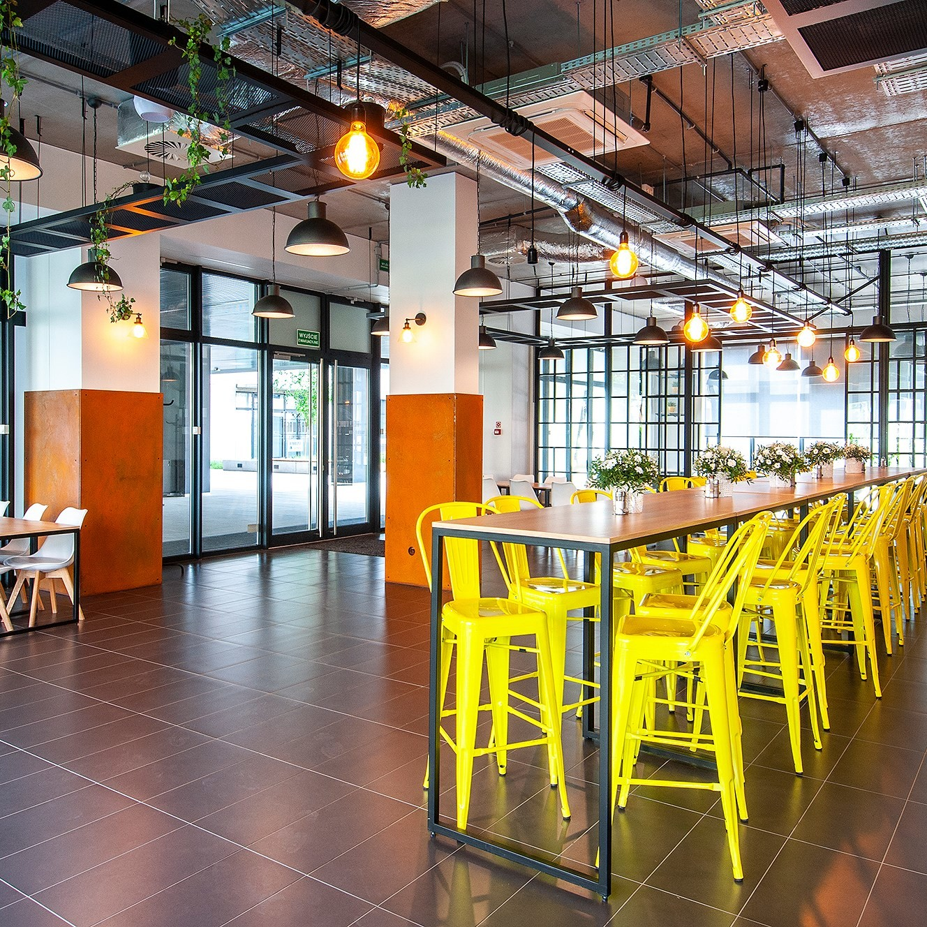 kompleksowe wyposażenie restauracji, meble do restauracji