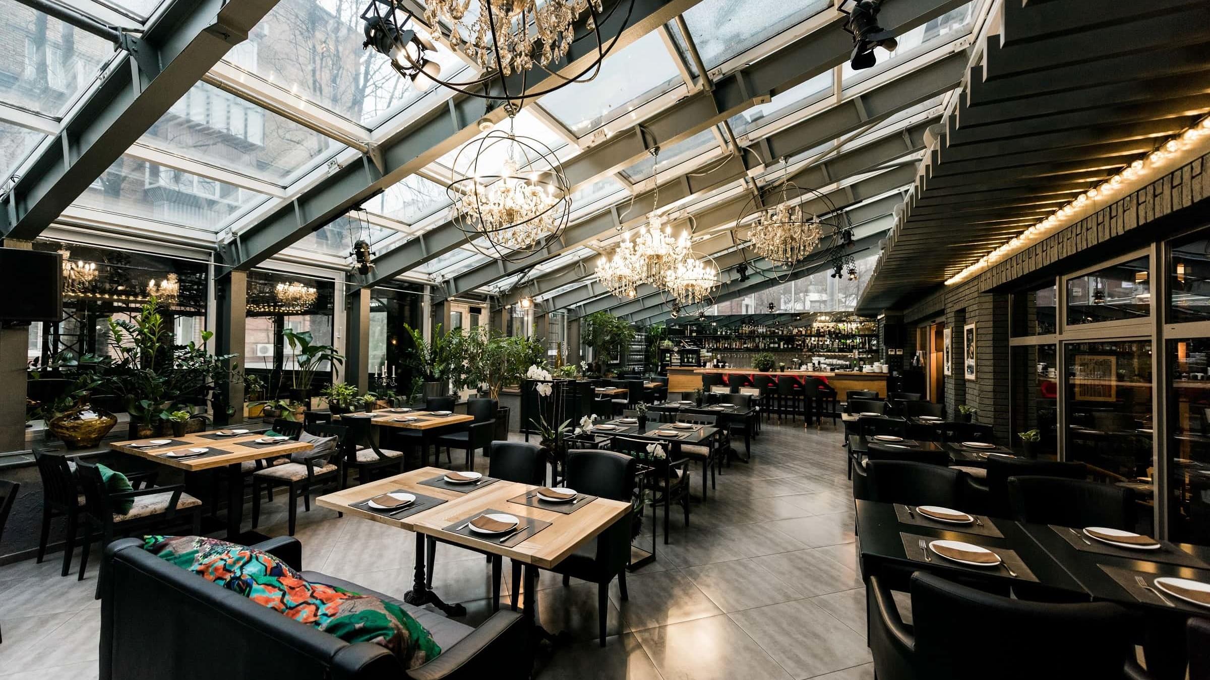 meble tapicerowane w restauracji