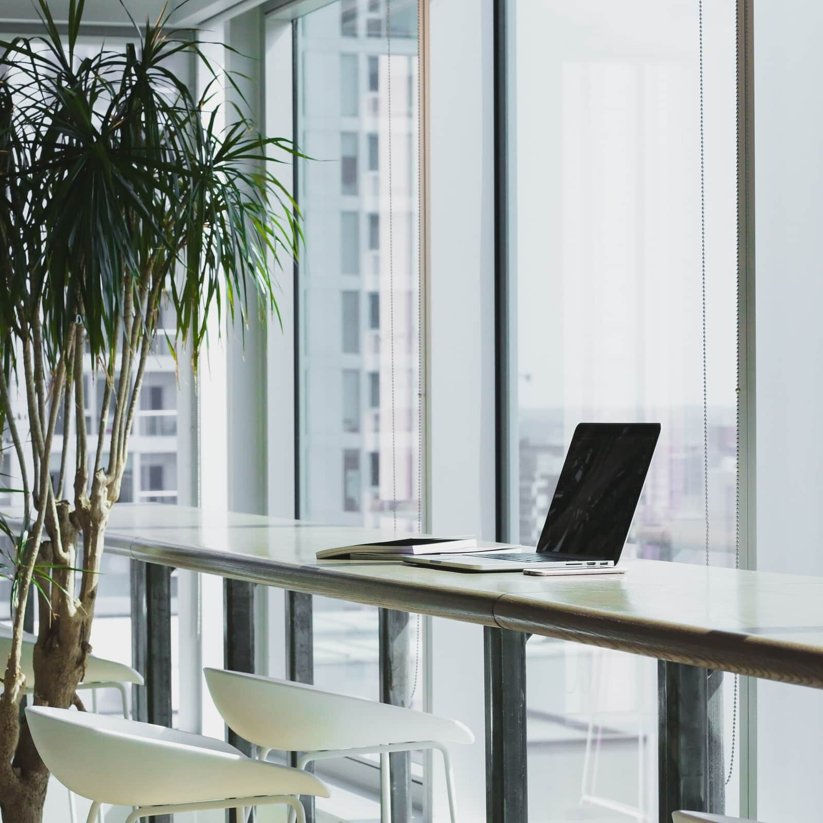 kompleksowe wyposażenie biur